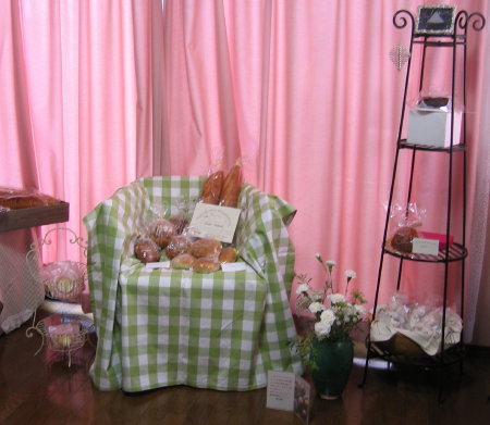 お菓子の家3.jpg