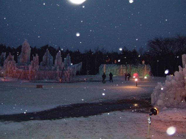 西湖:氷の彫刻.jpg