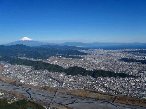 静岡市と富士山.jpg