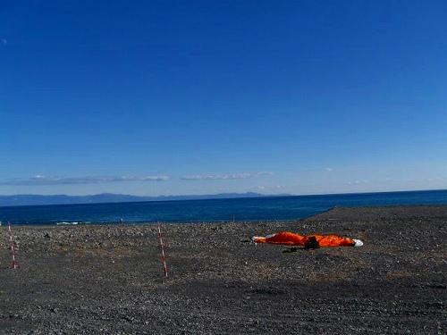 駿河湾海岸にランディング.jpg