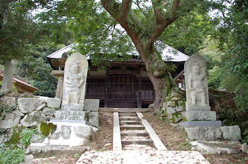 仁賀 萬福寺跡に残る薬師堂