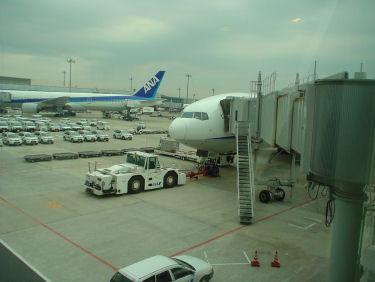 今回のANA025便