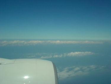 房総半島の陸上に連なる雲