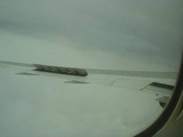 雲の中での降下でエアブレーキ