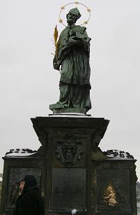 聖ヤン・ネポムツキー像.jpg