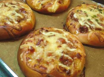 やきとりピザパン.jpg