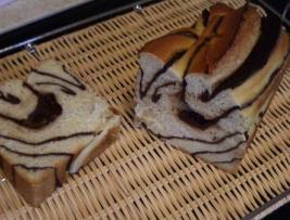 デニッシュチョコ食パン 断面