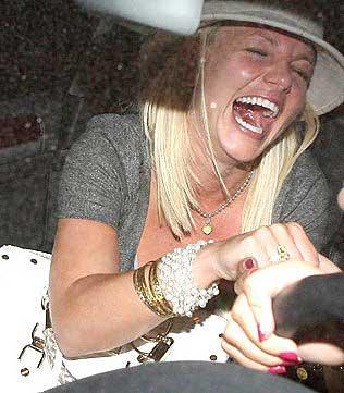 Britney_Inside_1[1].jpg