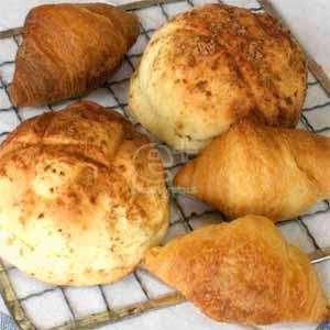 冷凍パン生地によるメロンパンとクロワッサン