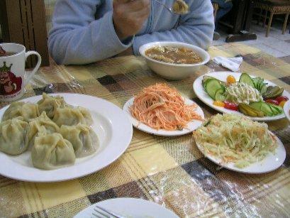 モンゴルの安定食スタイル