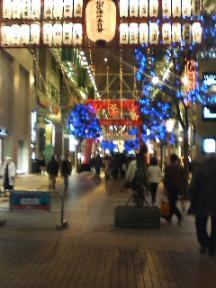 商店街もライトアップ