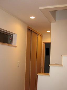 1階廊下照明