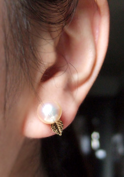 プチポワンチャームと真珠