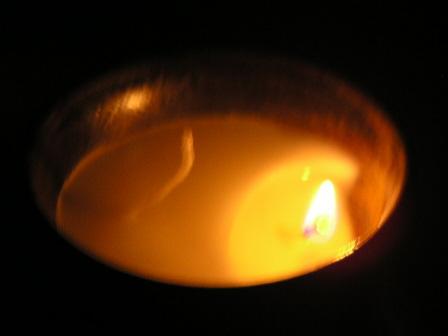 手づくりキャンドル「蜜蝋(精製)+レモンバームのエッセンシャルオイルを入れたアロマキャンドル」