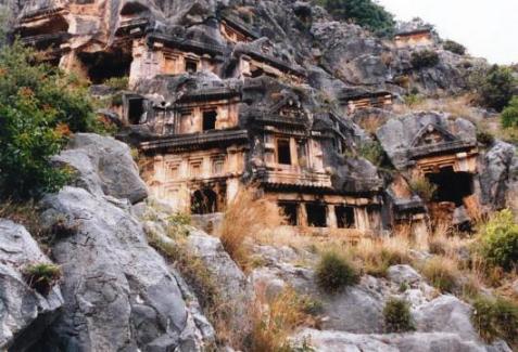ミラ・断崖の墳墓群(トルコ)