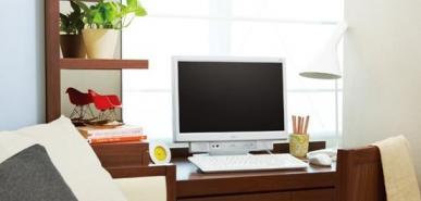 オフィスの風景(SOHO環境):【SOHOオフィス内システム構成へリンクします】