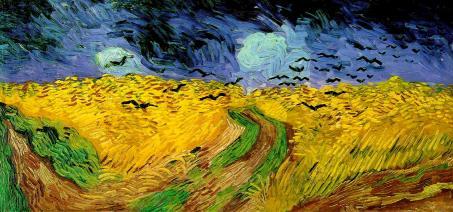 荒れ模様の空に烏の群れ飛ぶ麦畑