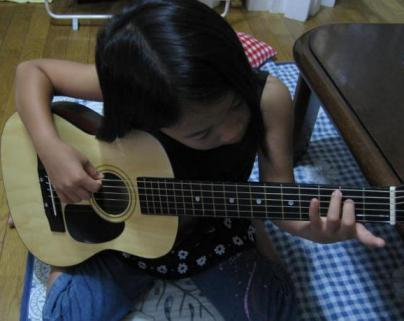 ギター少女?