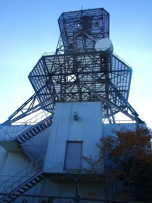 大山山頂の電波塔