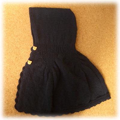 手編みのマント(側面)