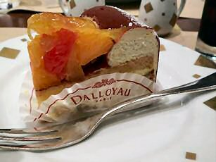DALLOYAUのケーキ