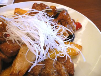 彩り野菜と信州豚の黒酢炒め