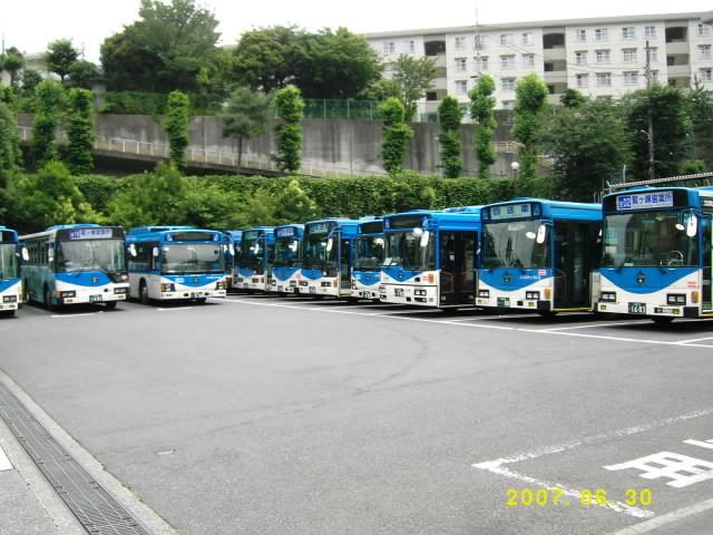 鷲ヶ峰営業所 | 川崎市バス車両...