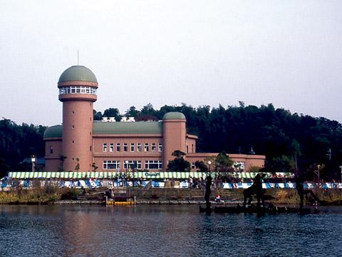 親水広場 on boat