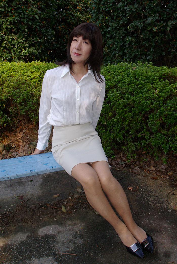 女装外出~ミニスカスーツでお出かけその2 | 変身しちゃおっかな♪ - 楽天ブログ