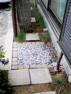 2009_0901庭トイレ.jpg