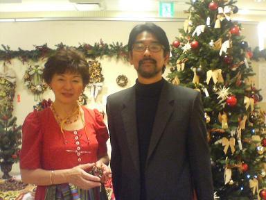 横野律子先生と福岡三越