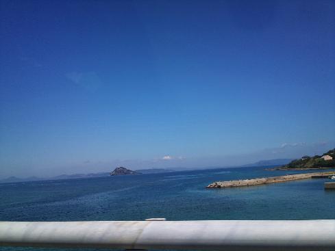 中戸の海(片島から黒島、平戸島を望む)