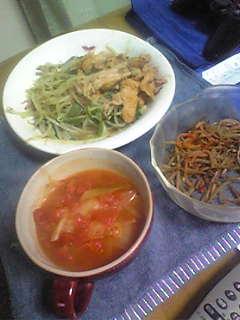 0422美味しそうな野菜炒めに トマトスープがいい感じですね~ キンピラもいいです♪.jpg