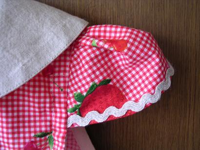 セーラーワンピ イチゴ2 袖アップ